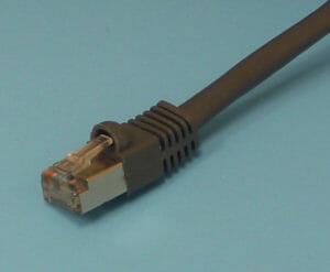 Cable CAT5 apantallado con conector RJ45 apantallado